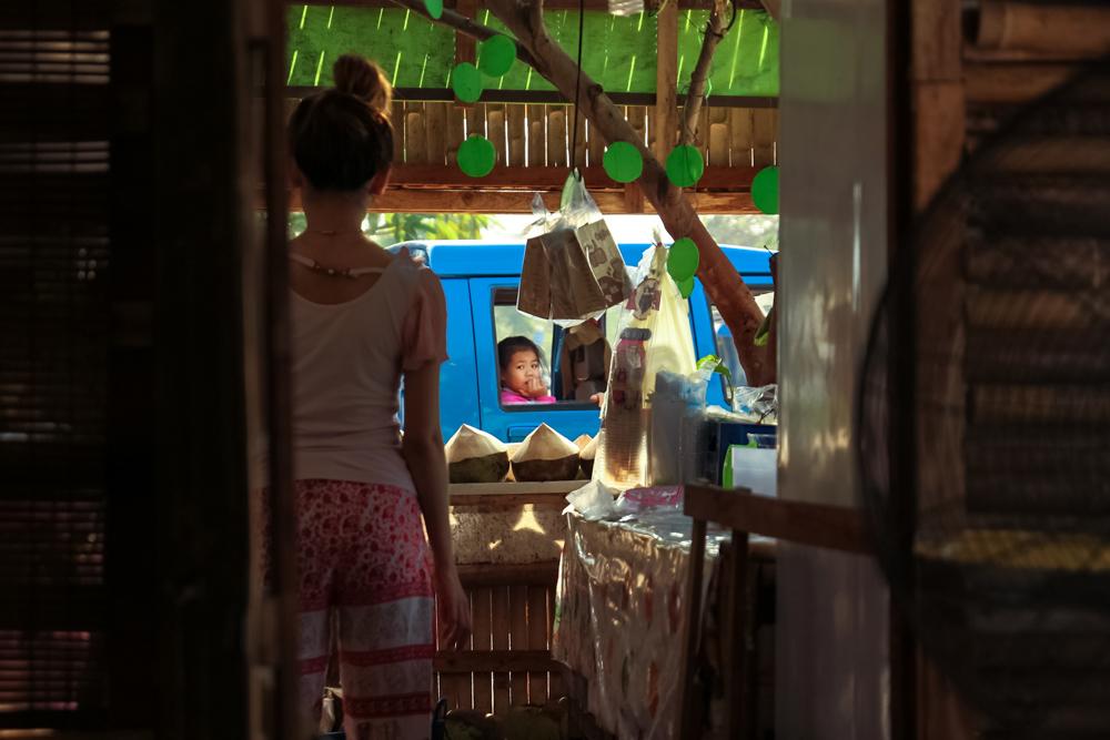 Свежие кокосы в симпатичном месте