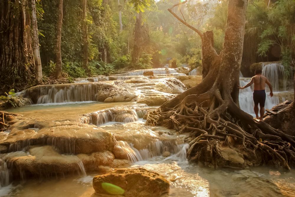 Тропический закат на Куанг Си