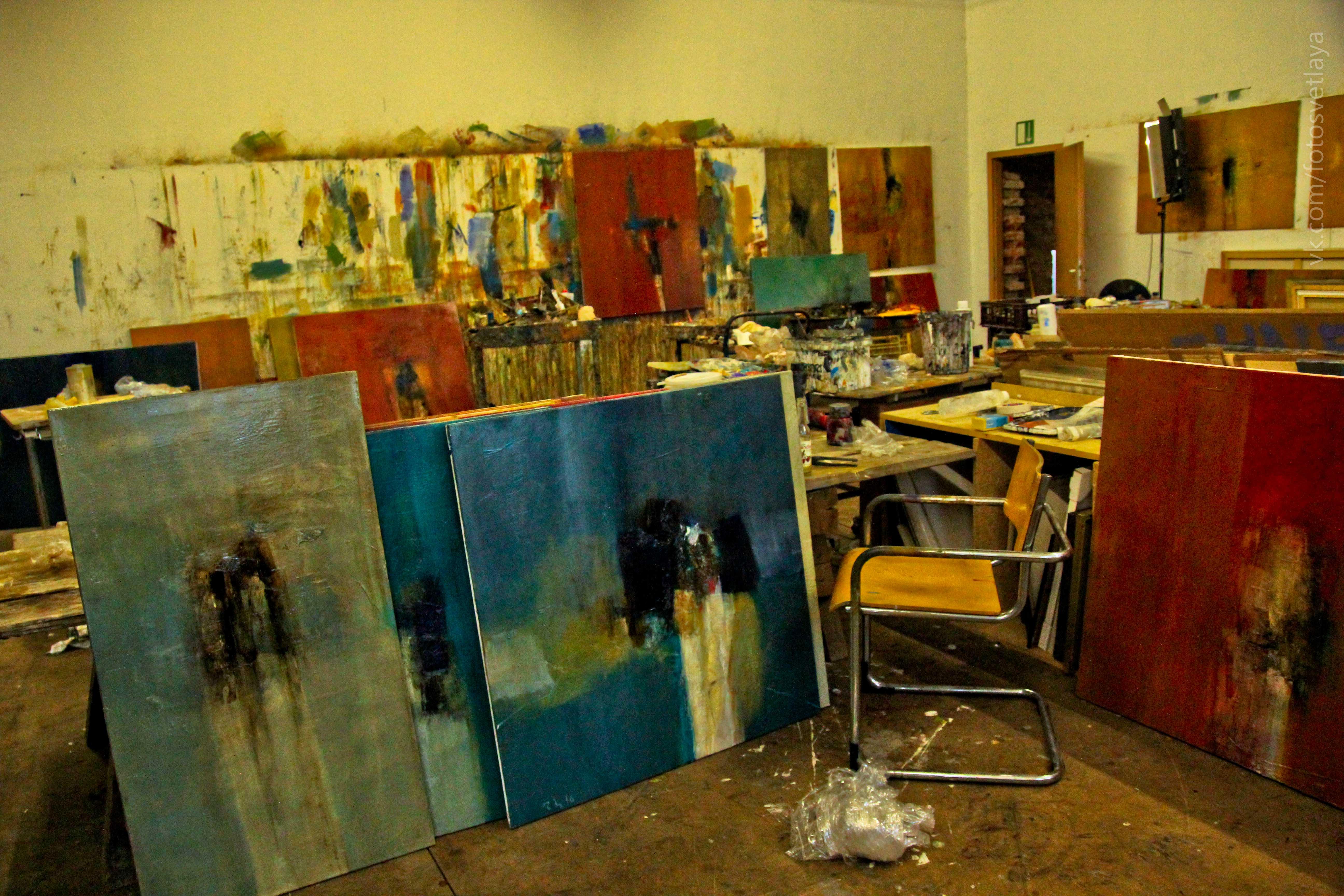 painting Tomas